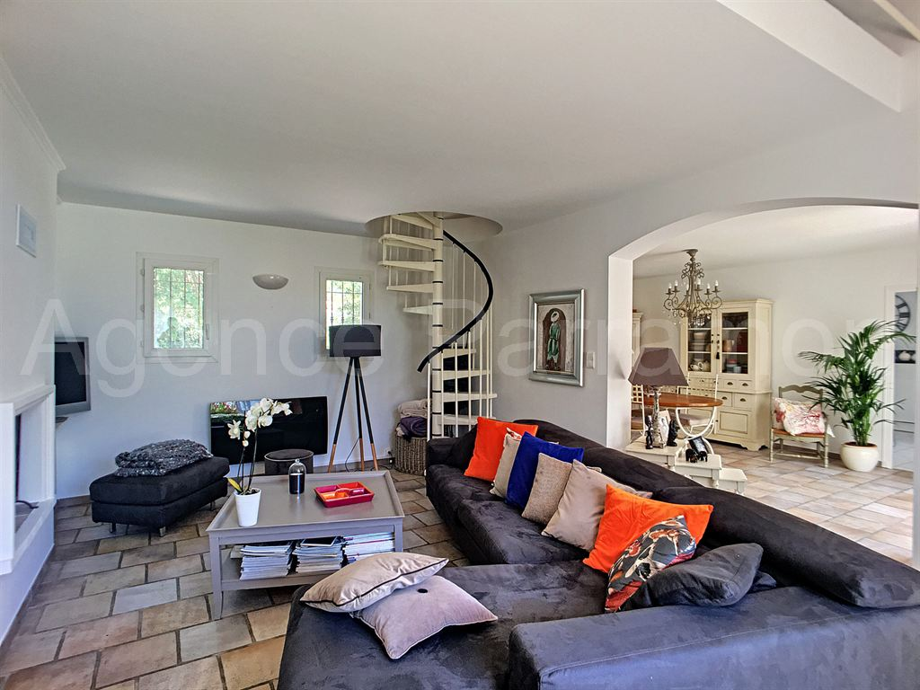 Maison-Villa - LE BRUSC